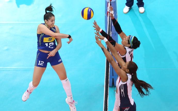 Seleção brasileira feminina x República Dominicana, Grand Prix Vôlei (Foto: Divulgação / FIVB)
