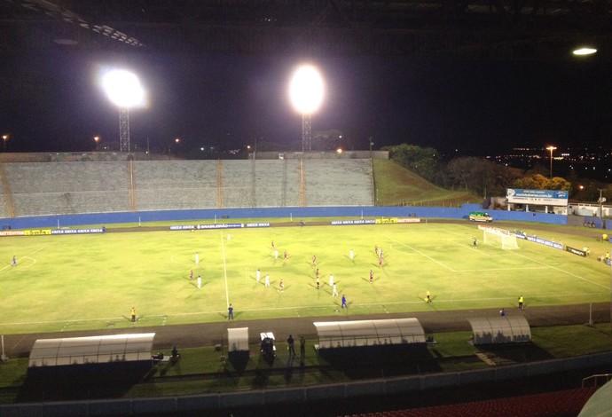 Londrina Caxias Estádio do Café (Foto: Alberto Dangele/RPC)
