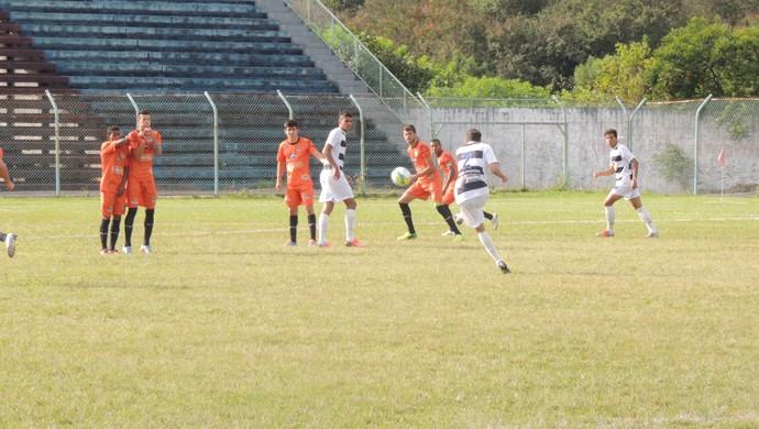 Atlético Mogi x Manthiqueira - Segunda Divisão Campeonato Paulista (Foto: Vitor Geron)