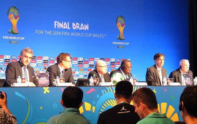 Blatter, Valcke e Marin Coletiva (Foto: Alexandre Lozetti)