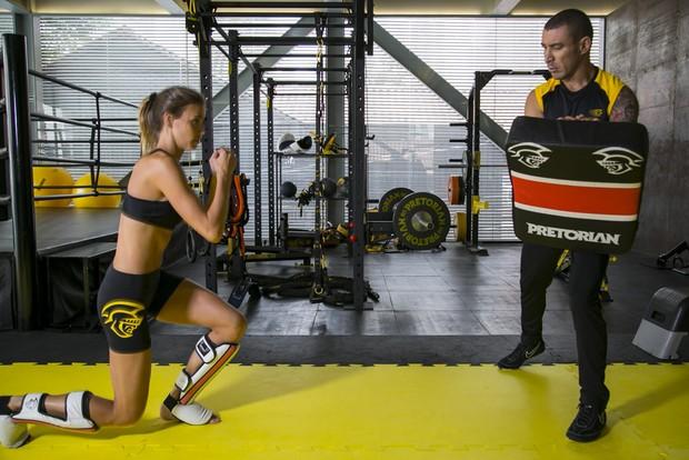 Renata Kuerten mostra seu treino para o EGO (Foto: Alessandra Gerzoschkowitz / EGO)