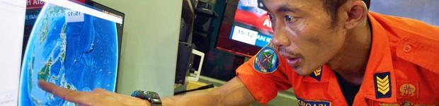 Indonésia interrompe buscas por avião da AirAsia que desapareceu com 162 a bordo (Indonésia interrompe buscas por avião da AirAsia que desapareceu com 162 a bordo (Indonésia interrompe buscas por avião da AirAsia que desapareceu com 162 a bordo (Indonésia interrompe buscas por avião da AirAsia que desapareceu com 162 a bordo (Indonésia)