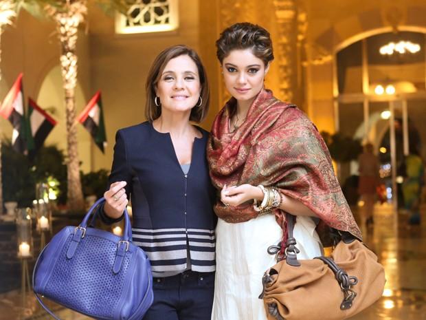 A atriz passou uma semana nos Emirados Árabes, gravando ao lado de Adriana Esteves e equipe (Foto: Isabella Pinheiro/Gshow)