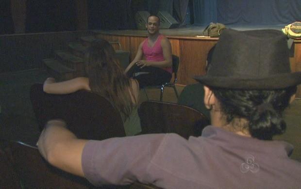 Oficina sobre dança pós-moderna acontece durante esta semana em Rio Branco (Foto: Reprodução TV Acre)