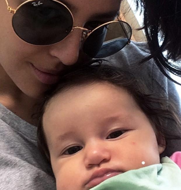 Yanna Lavigne e a filha, Madalena (Foto: Reprodução/Instagram)