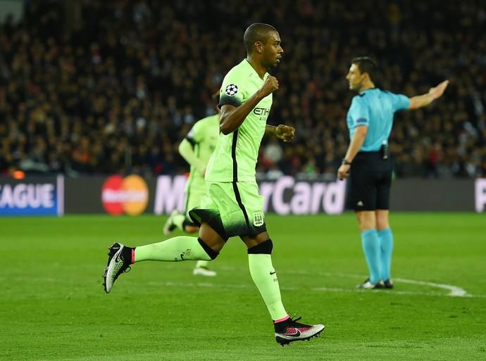 Fernandinho Manchester Ciy PSG (Foto: Getty Images)