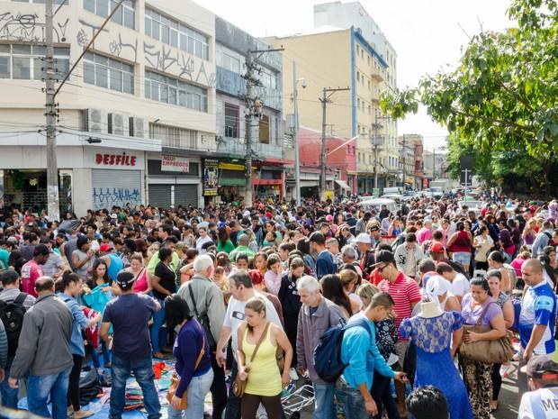 Movimentação de consumidores na região do Brás, em São Paulo (SP) (Foto: Rogério Cavalheiro/Futura Press/ Estadão Conteúdo)