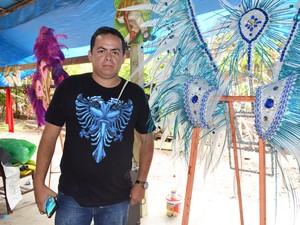 Presidente do bloco da Pulga, Fabrício Bendelack garantiu sucesso no desfile (Foto: Adonias Silva/G1)