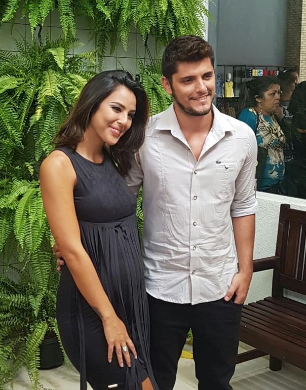 Yanna Lavigne e Bruno Gissoni (Foto: Ed Globo)