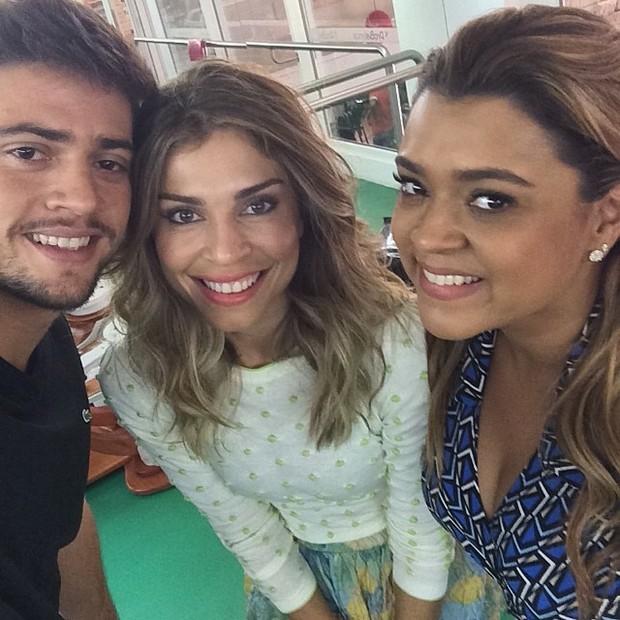 Preta Gil e o namorado, Rodrigo Godoy, com Grazi Massafera (Foto: Instagram / Reprodução)