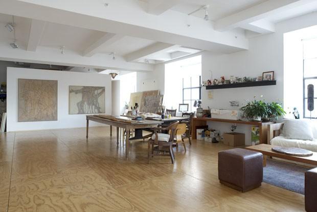 Loft Minimal Abriga Quadros E Livros Casa Vogue