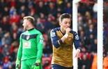 Özil marca, Arsenal decide rápido e pula para terceiro, colado em rival (Getty Images)