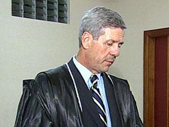 Desembargador atuava como presidente do TRE-MT e foi afastado em 2010 (Foto: Reprodução/TVCA)