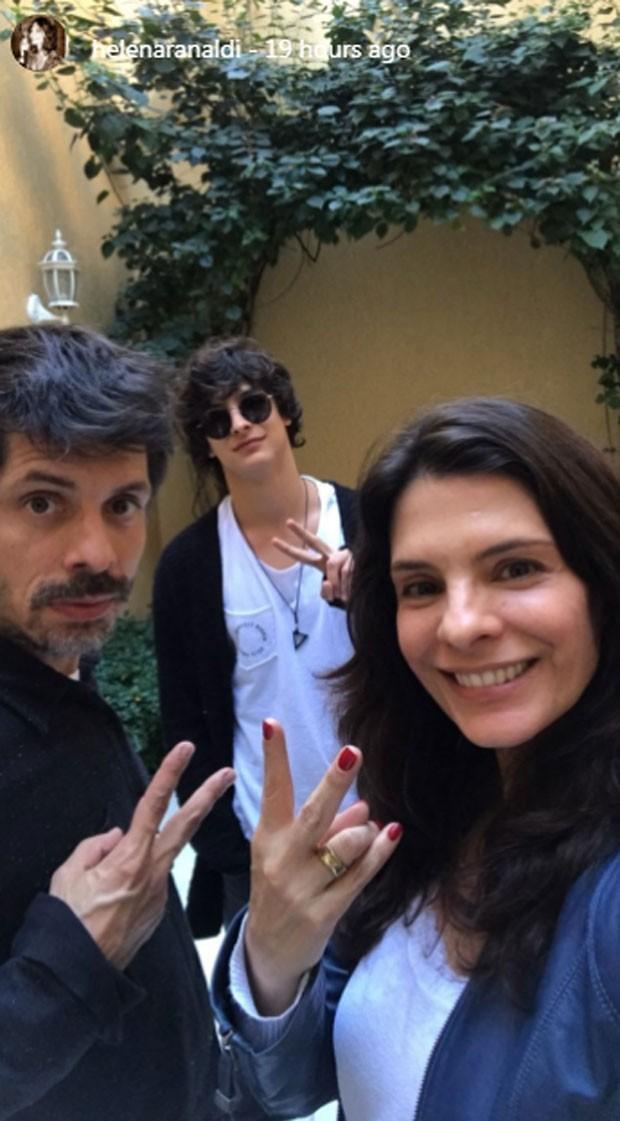Daniel Alvim, Pedro e Helena Ranaldi (Foto: Reprodução)