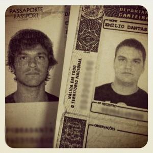 A diferença de peso também é nítida nos documentos do ator (Foto: Arquivo pessoal)