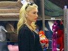 Grávida, Gwen Stefani já exibe barriguinha saliente