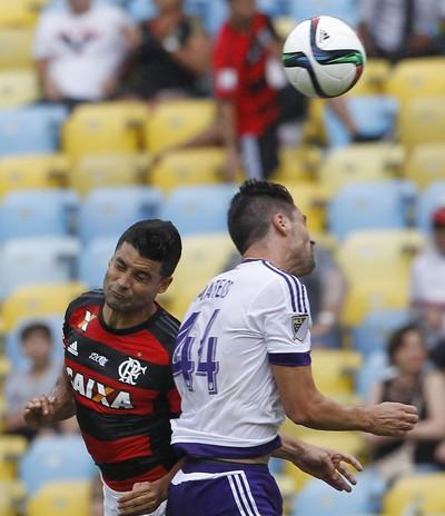 Ederson Flamengo x Orlando City (Foto:  ERNESTO CARRIÇO/AGÊNCIA O DIA/ESTADÃO CONTEÚDO)