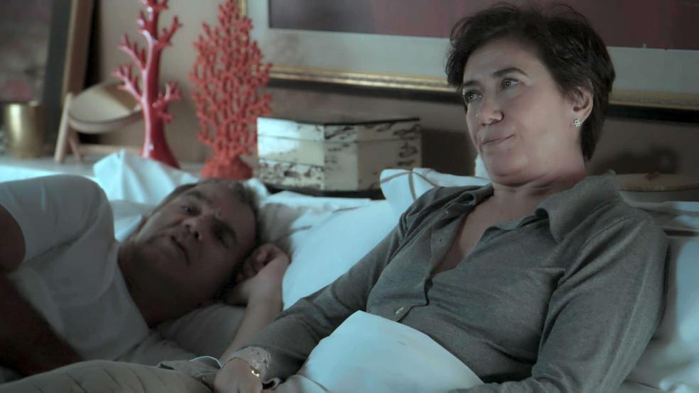 Silvana fica tensa: sim ou com certeza?  (Foto: TV Globo)