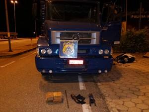 Quadrilha foi encontrada com uma carreta e materiais furtados (Foto: PRF/Divulgação)
