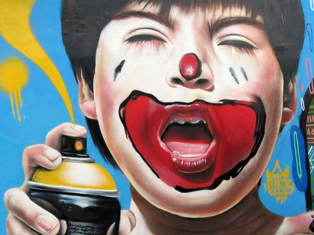 Grafite de Nilo Zack feito em encontro de internacional em Macaé, no RJ (Foto: Nilo Zack/ Arquivo pessoal)