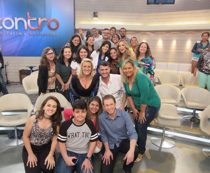 Mais um registro dos apresentadores com a plateia  (Foto: Carolina Morgado/Gshow)