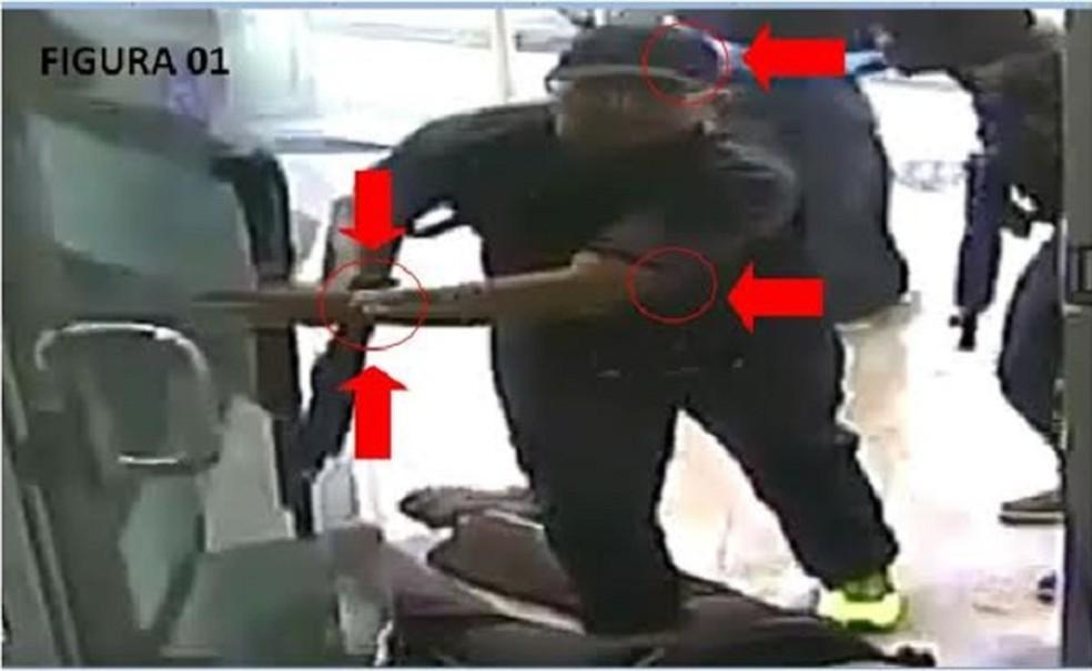 Polícia Civil identificou o suspeito a partir de imagens registradas no dia do crime. (Foto: Divulgação / Polícia Civil)