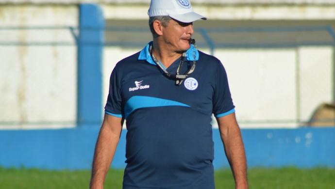 Fahel Júnior diz que time se refaz da queda no Estadual (Foto: Felipe Martins)