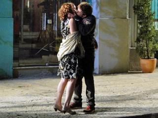 Leandro beija Isabela (Foto: TV Globo)