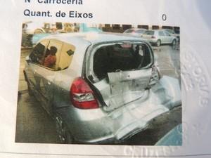 A proprietária conseguiu junto à empresa de perícia cautelar foto do veículo da época em que havia sofrido acidente (Foto: Pedro Carlos Leite/G1)