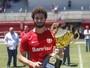 Caldense anuncia contratação de zagueiro ex-Internacional