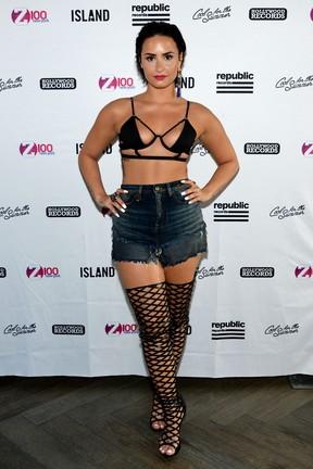 Demi Lovato se apresenta em evento em Nova York, nos Estados Unidos (Foto: Ben Gabbe/ Getty Images)