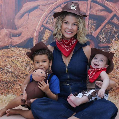 Bárbara Borges com os filhos  (Foto: Reprodução)