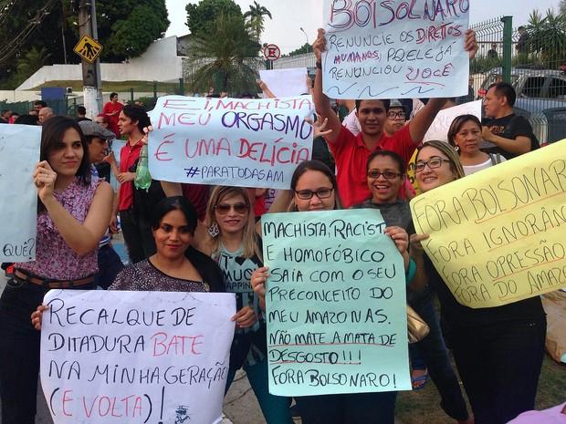 Manifestação ocorreu na tarde desta quinta-feira, em Manaus (Foto: Indiara Bessa/G1 AM)