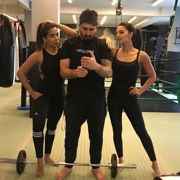 Anitta e Mariana Rios malham (Foto: Reprodução Instagram)