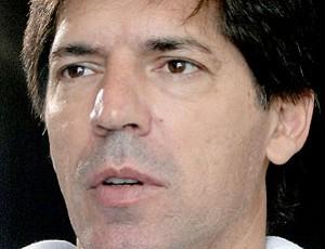 Gottardo, treinador do Villa Nova (Foto: Fernando Martins / Globoesporte.com)