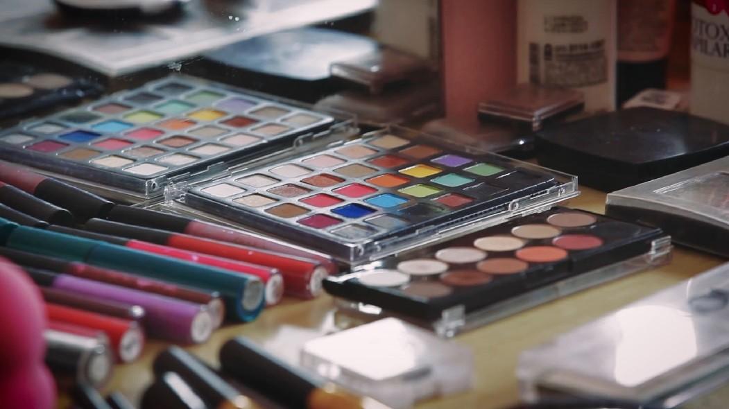 Jovem fez curso de maquiagem através do Ocupação Social (Foto: Reprodução/Ocupação Social)
