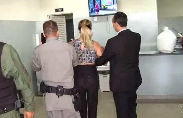 Mulher bêbada que atropelou padeiro é acusada de suborno; defesa nega em Goiás (Foto: Reprodução/TV Anhanguera)