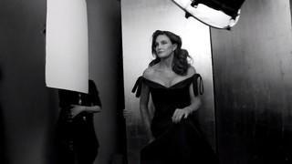 Caitlyn Jenner nos bastidores de ensaio para a revista Vanity Fair (Foto: Reprodução)