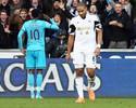 Adebayor faz dois, Tottenham vence quarta seguida e se junta ao Liverpool