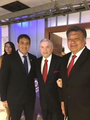 José Maria Marin com Gamarra e Figueroa no sorteio da Copa America (Foto: Divulgação / CBF)