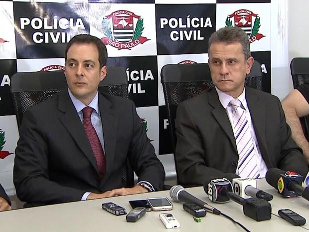 O promotor Leonardo Romanelli e o delegado José Eduardo Vasconcelos concedem entrevista sobre a 2ª fase da operação Alba Branca (Foto: Reprodução/EPTV)
