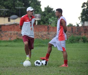 João Carlos Cavalo, técnico do Rio Branco-AC, e Roberto Dinamite (Foto: João Paulo Maia)