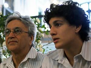 Caetano e o filho Tom. (Foto: Egi Santana/G1)