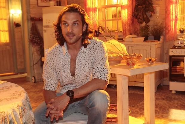 """Igor Rickli na coletiva de lançamento da novela da TV Globo """"Flor do Caribe"""" (Foto: Isac Luz / EGO)"""