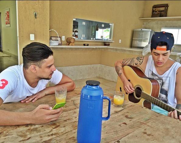 Israel Novaes e Jefferson Moraes compõem juntos (Foto: Reprodução/Instagram)