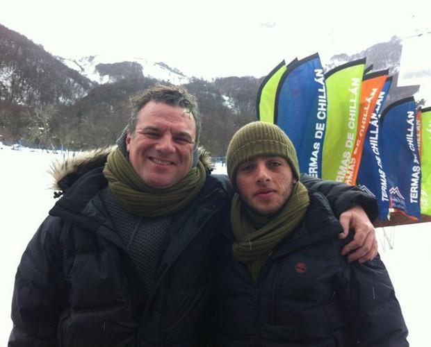 Adriano posa ao lado do filho Gabriel (Foto: Arquivo Pessoal)