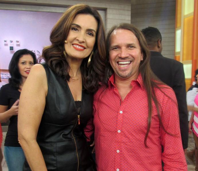 O cantor Dorgival Dantas com a Fátima depois do programa  (Foto: Juliana Hippert/Gshow)