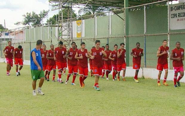 Sulamérica faz pré-temporada em Campo do meio (MG) (Foto: Reprodução EPTV)