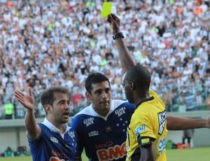 Diego Souza Árbitro, Atlético-MG x Cruzeiro (Foto: Kildare Medeiros/Agência Estado)