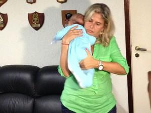 Bebê foi encontrado no Rio de Janeiro (Foto: Daniel Siveira/G1 RJ)